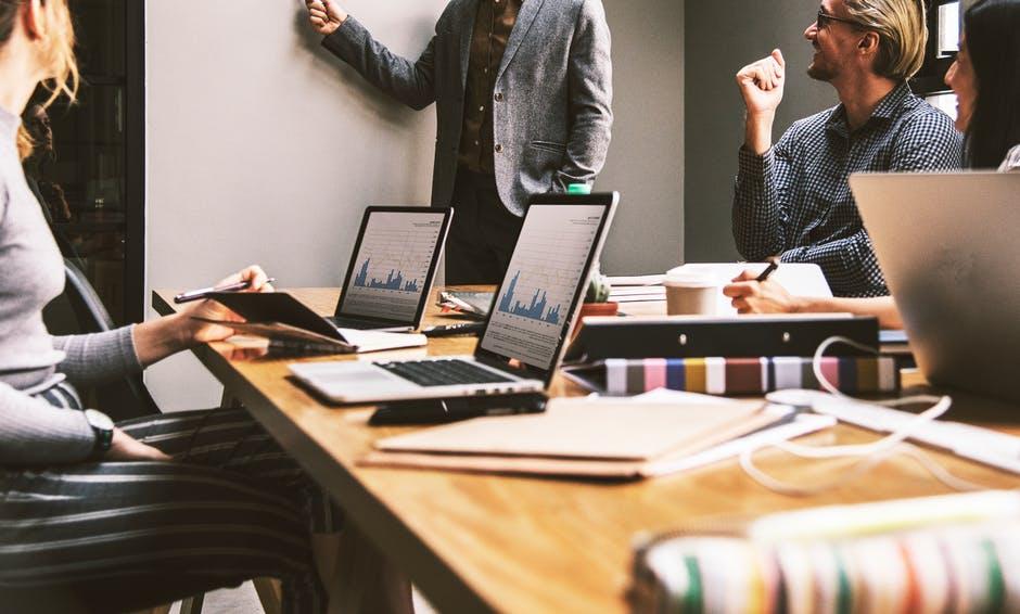 Les impacts des avis sur le SEO et leur importance dans votre stratégie digitale